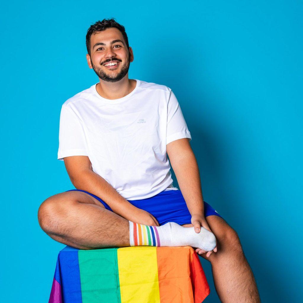 ADRIANO IM INTERVIEW ÜBER SCHWEISSAUSBRUCH DER PODCAST UND LGBTQI IM SPORT